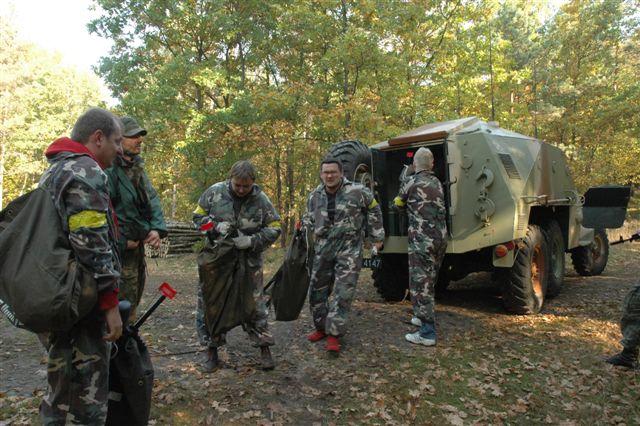 Zbiórka przy wojskowej ciężaówce - event militarny dla IBM Polska